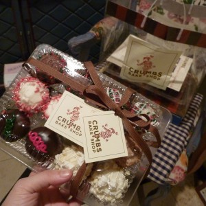 crumbs-christmas-cupcakes-6