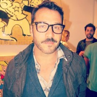 Jeremy Piven at Alec Monopoly's LAB ART opening