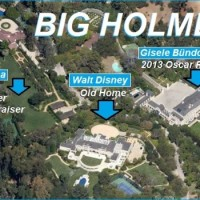 Pictured above is Colleen & Brad Bell's house where Obama held his Foo Fighter concert, Walt Disney's old home on Carolwood, and Fleur des Lys, where Giselle Bundchen held an Oscar party last week. Also in Big Holmby: Harvard-Westlake's lower school, the Weisman Museum, and Bryan Lourd's house.